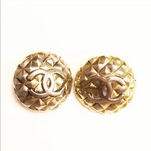 CHANEL Vintage CC Quilted Gold Clip on Earrings